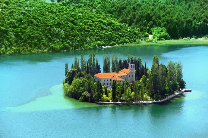 Visovac sziget Ferences kolostor
